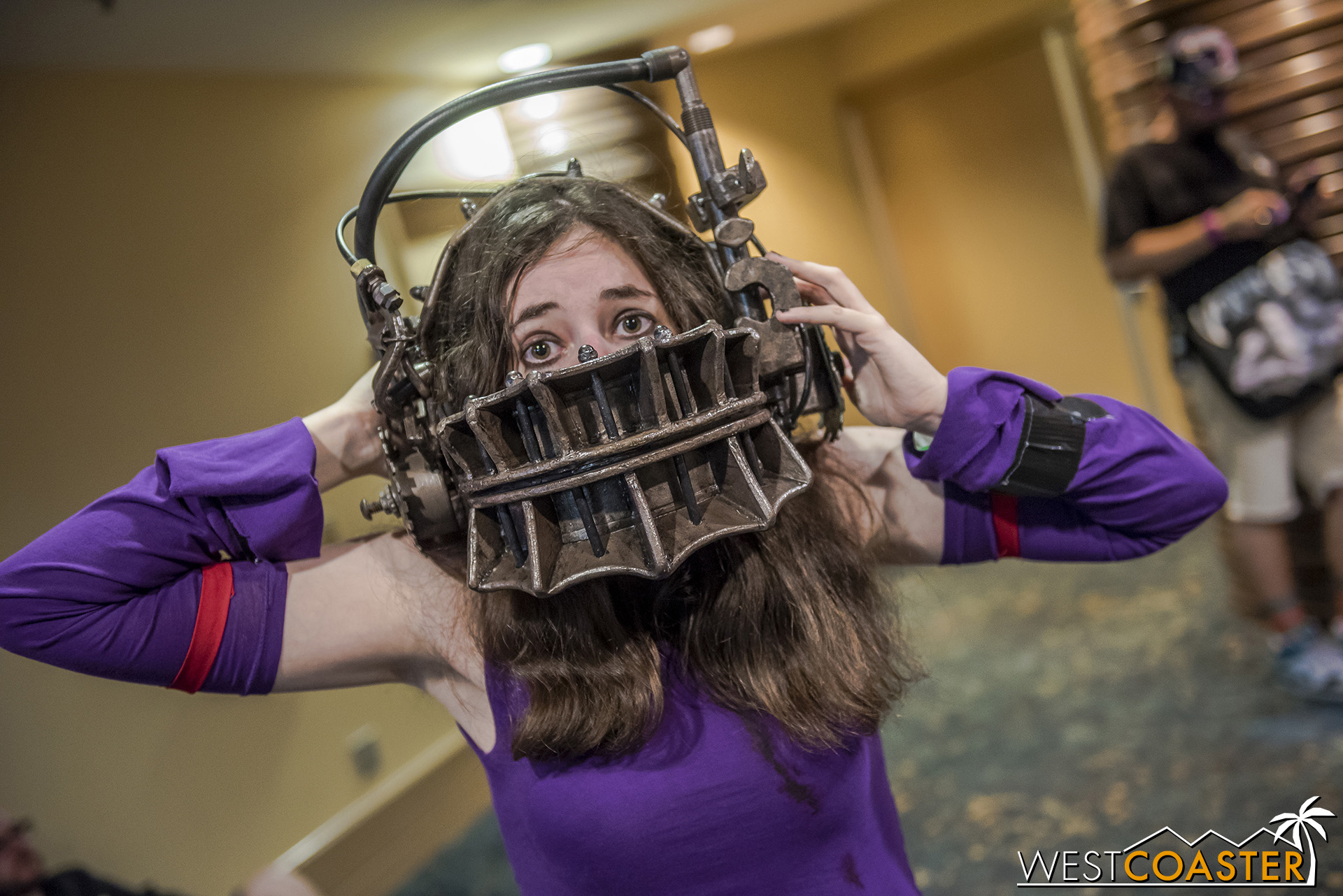 The detail into this reverse bear trap from  Saw  was impressive!