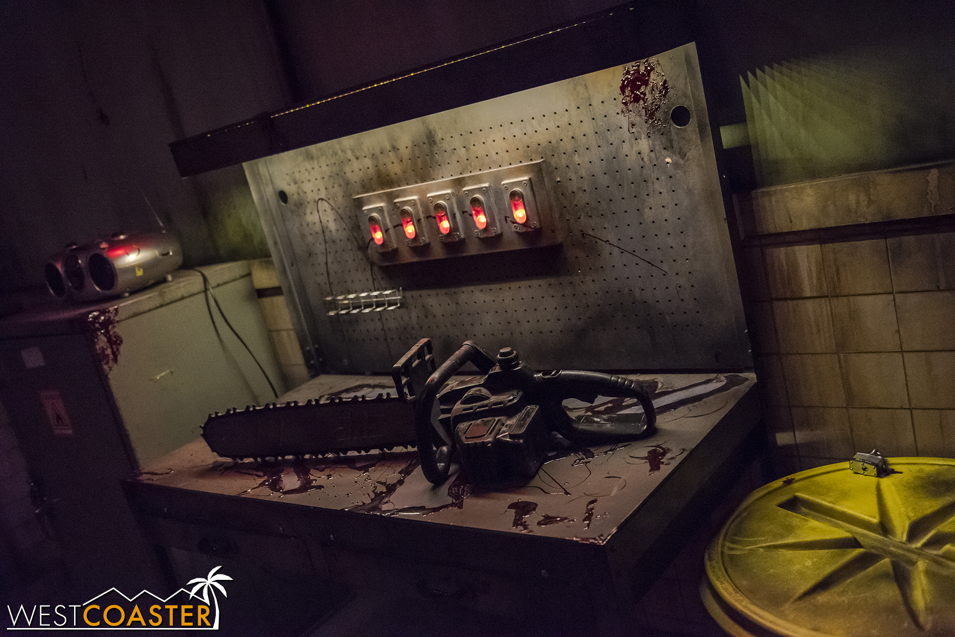 What's in this escape room? Murder!