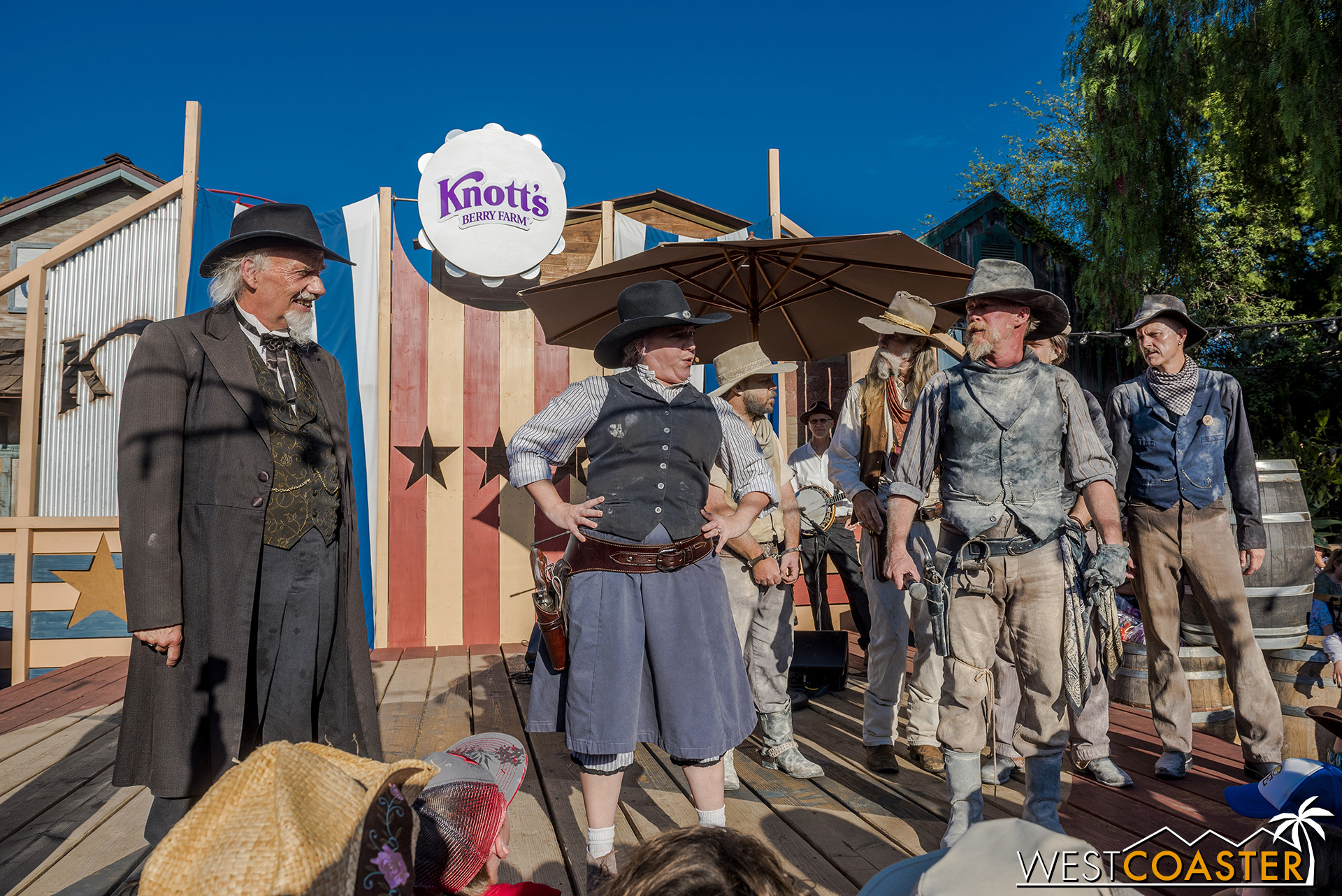 Phyllis rats out her own kin by announcing that she had caught Clay and the gang trying to take the chest of valuables out of town.  Of course, Clay did promise to rob Calico himself after returning its valuables.
