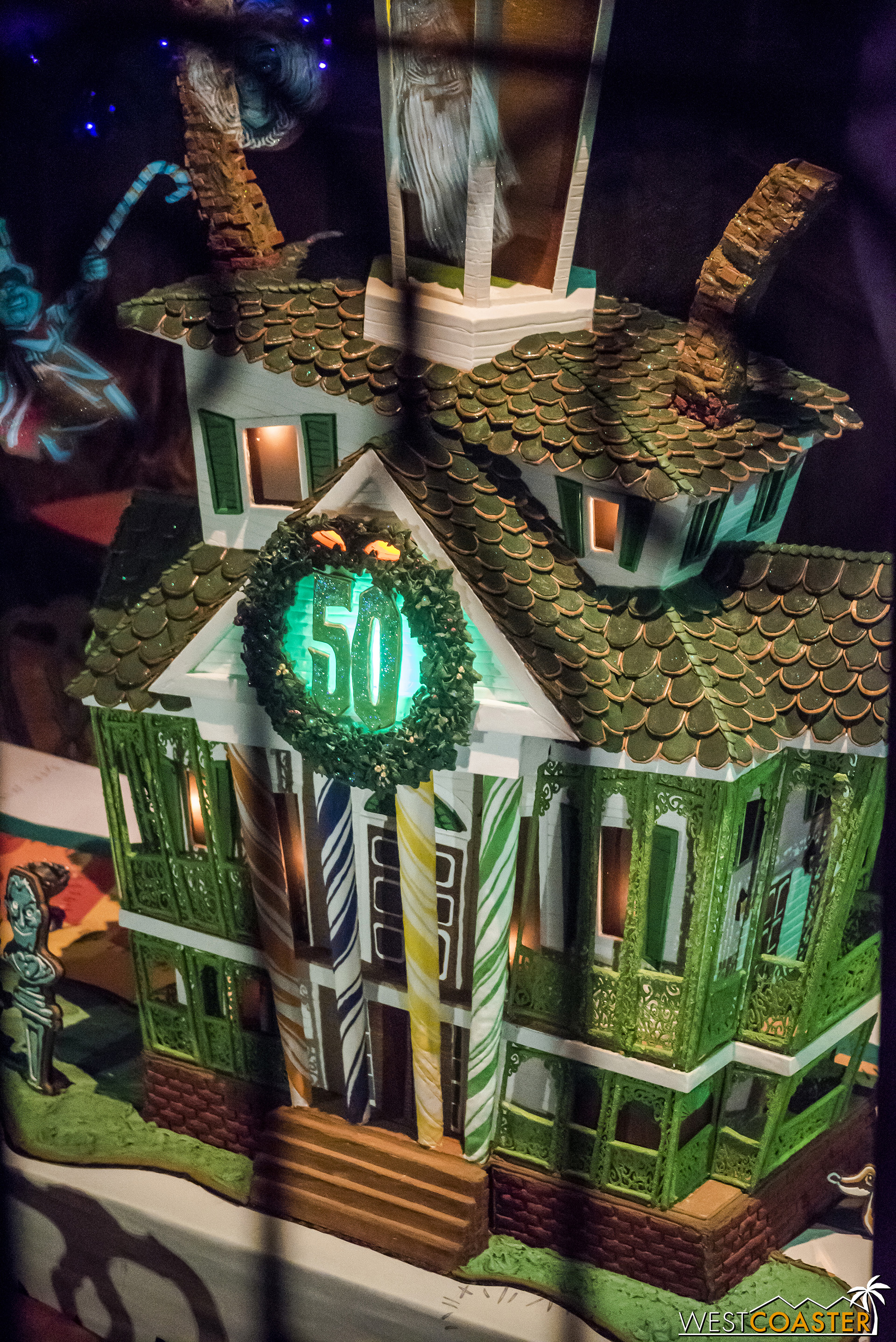 And here it is, the Haunted Mansion gingerbread house!