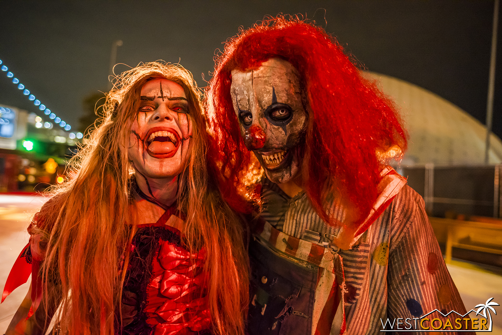 Love all the Dark Harbor street monsters.  They're so fun and sadistic at the same time!