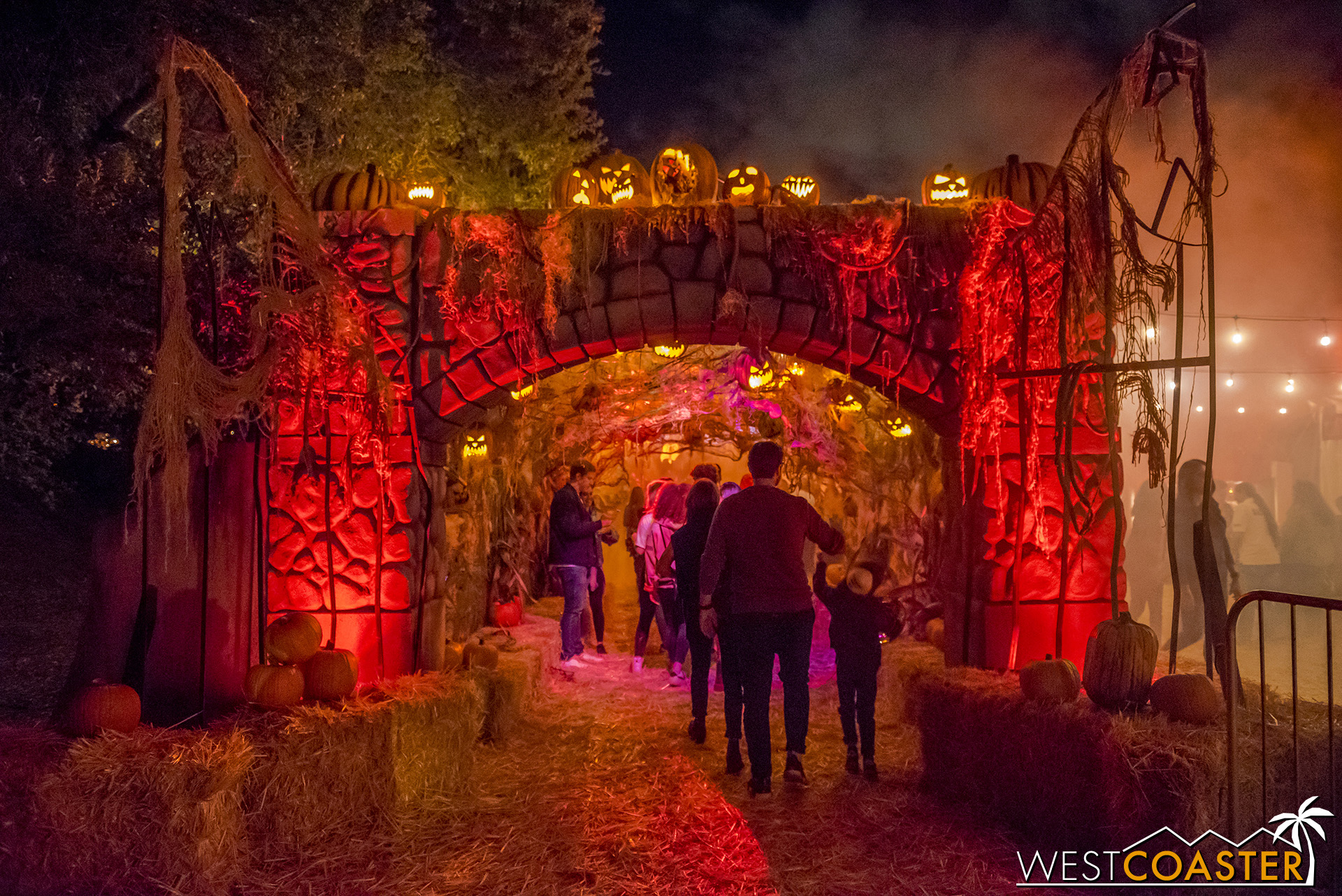 Welcome to the 1985 Halloween Festival at Midnight Falls!