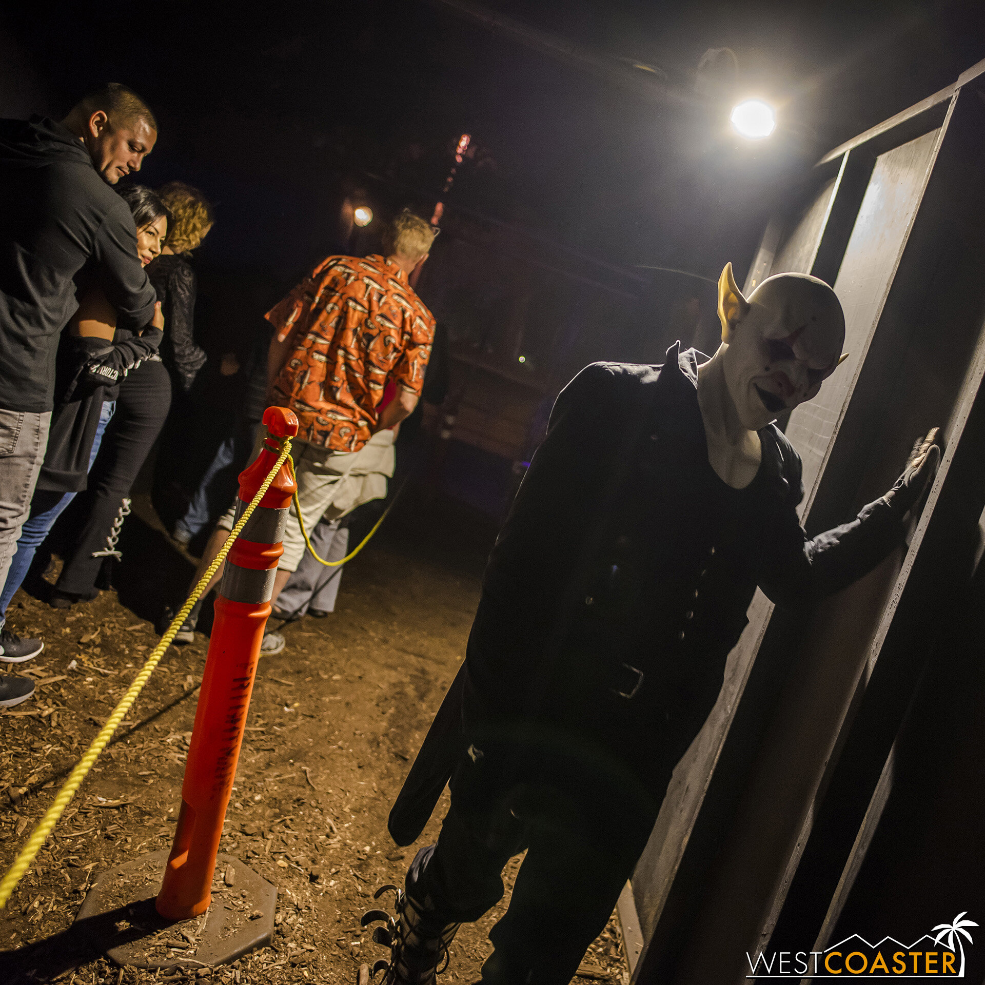 The end of the eXperiment Maze is also the start of the Haunted Trail en proper.