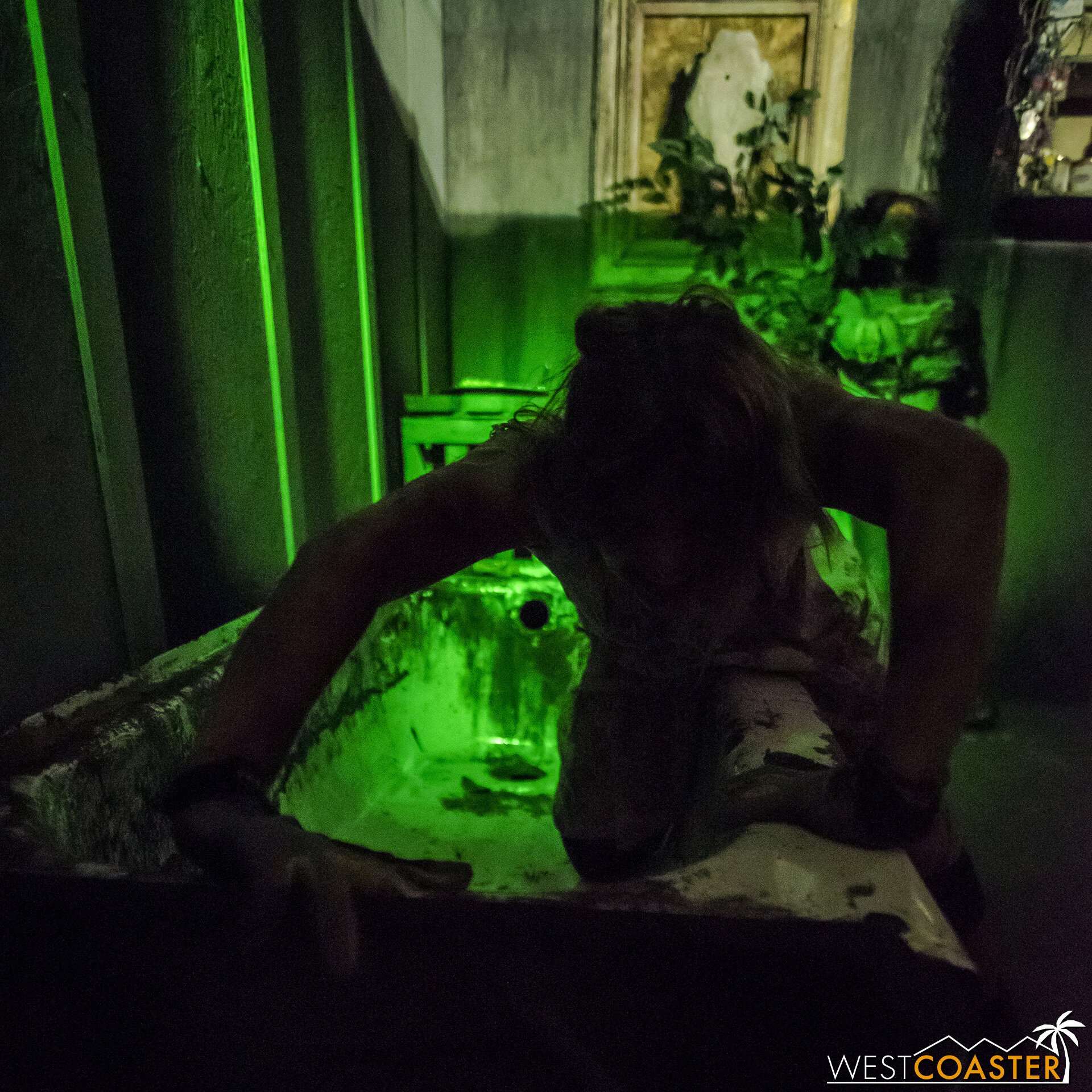 HauntedHotel-19_1010-D-KillbillyChaos-0003.jpg