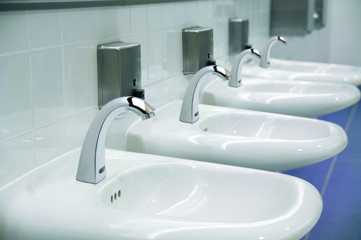 Delta+Commercial+-+H2Optics+Faucets+Concept.jpg