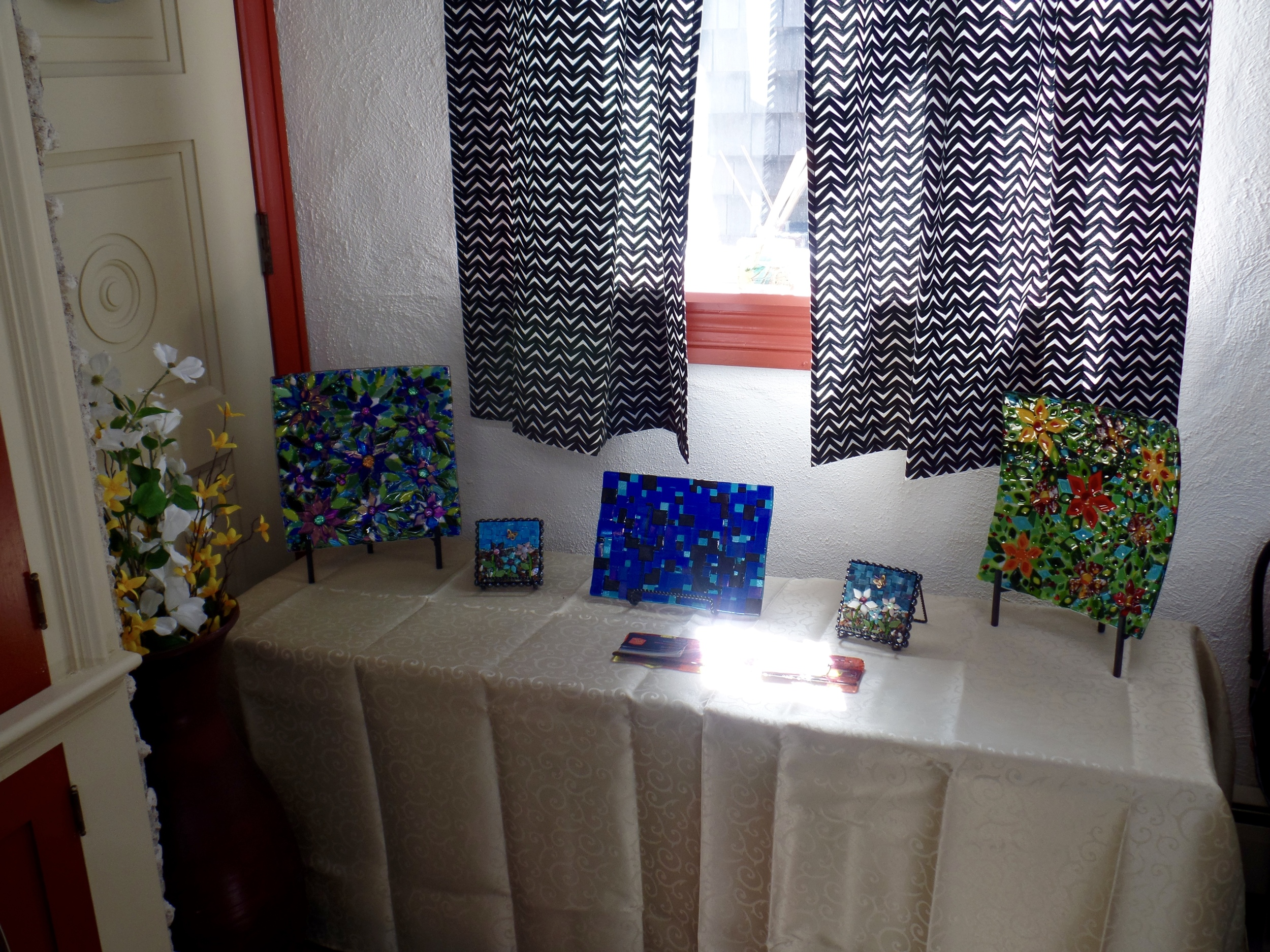 Fused glass dishes with 2 mini-mosaics.