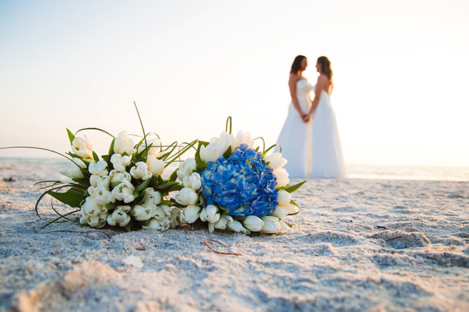 670-tide-the-knot-beach-weddings-bouquet-brides.jpg