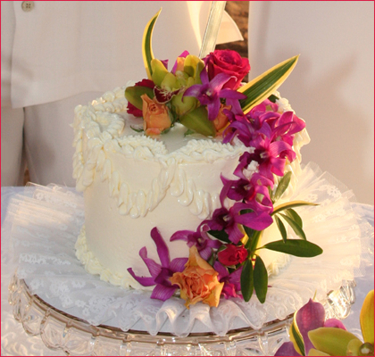 Tropical-Wedding-Cakes.jpg