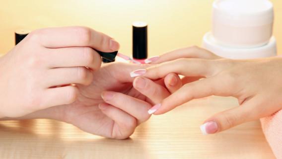 Manicure-860-x4151-568x320.jpg