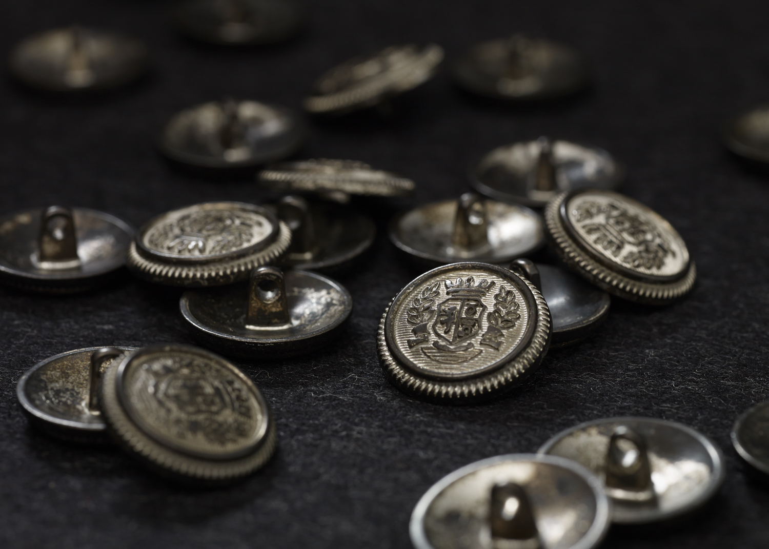ANTIQUE_BUTTONS-0067.jpg