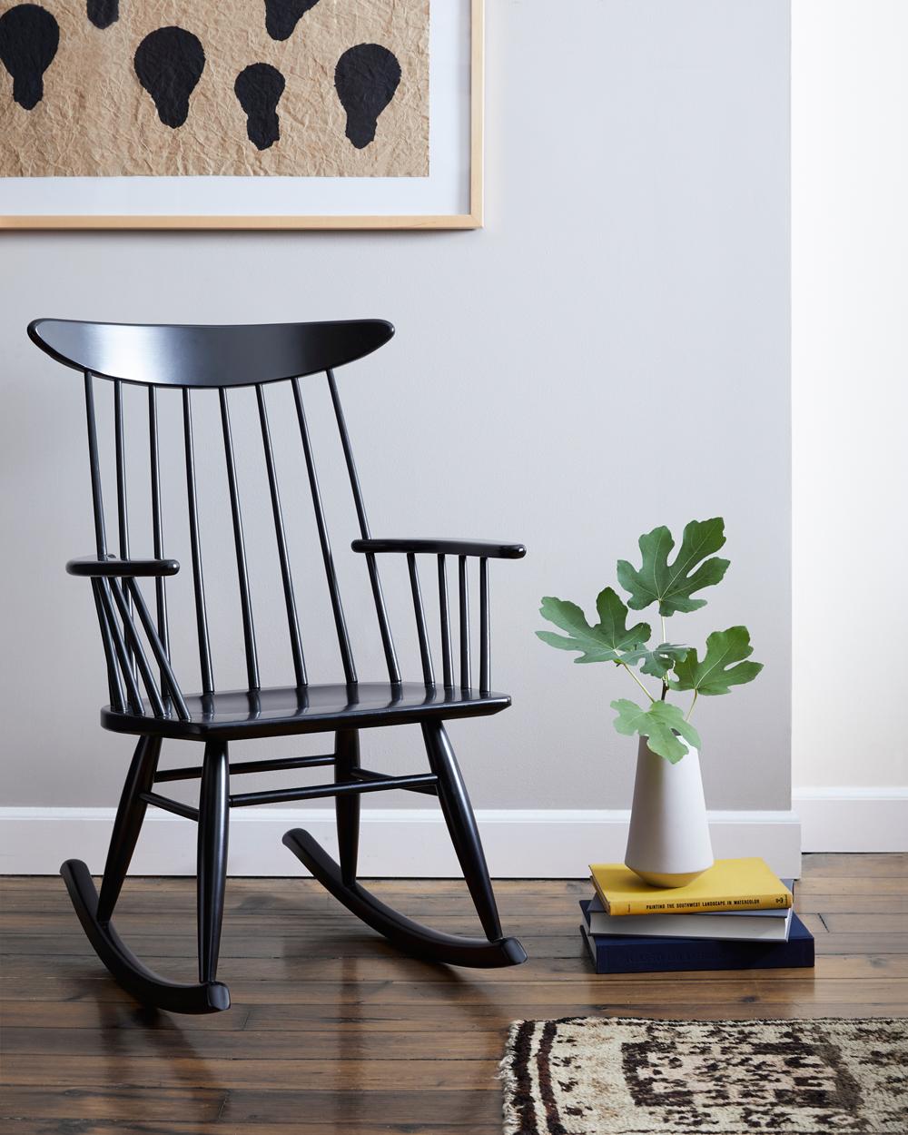 Chair_058_R.jpg