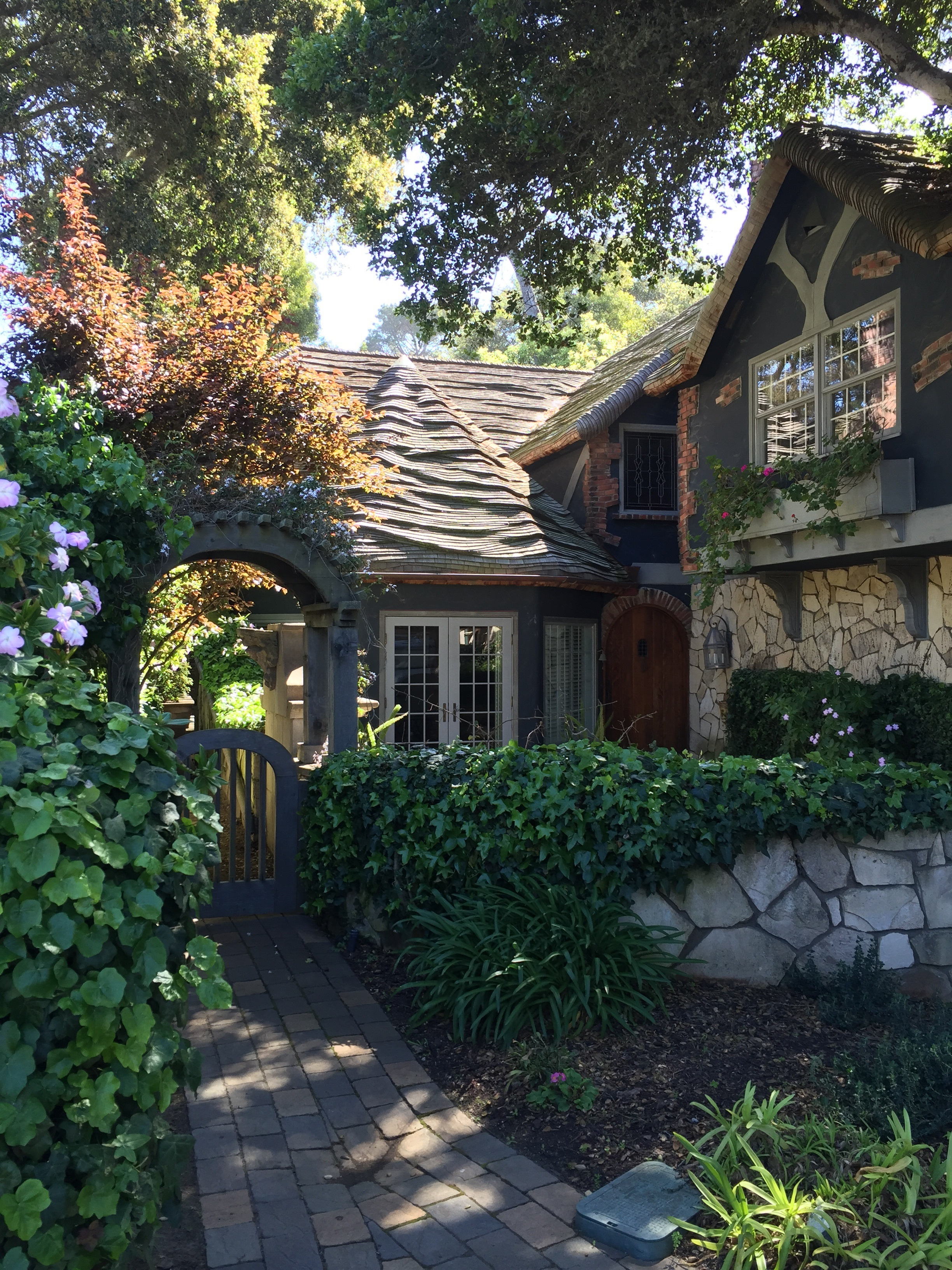 Classic Cottage Style Architecture