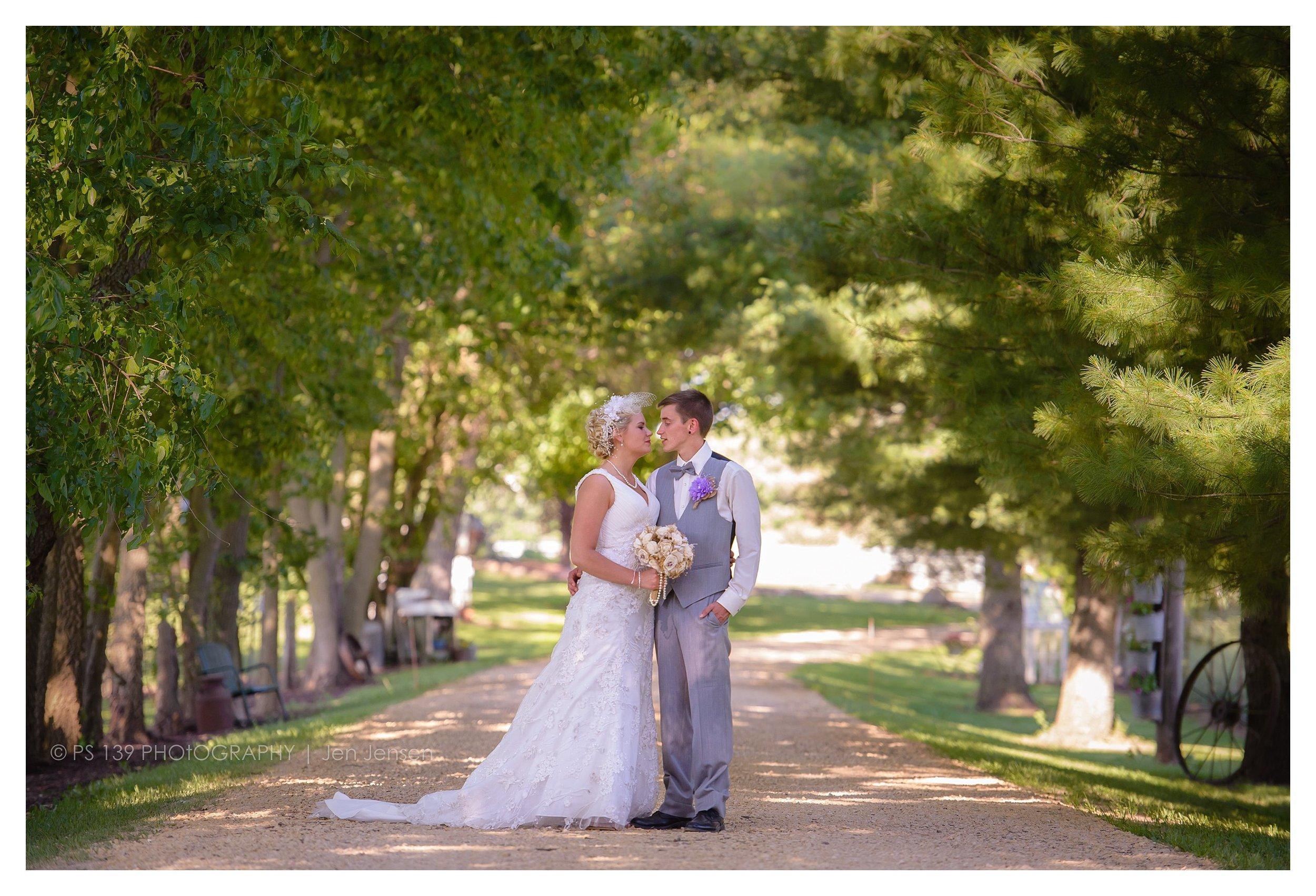 oregon Illinois oak lane farm wisconsin wedding photographer bayfield wi ps 139 photography jen jensen_0231.jpg