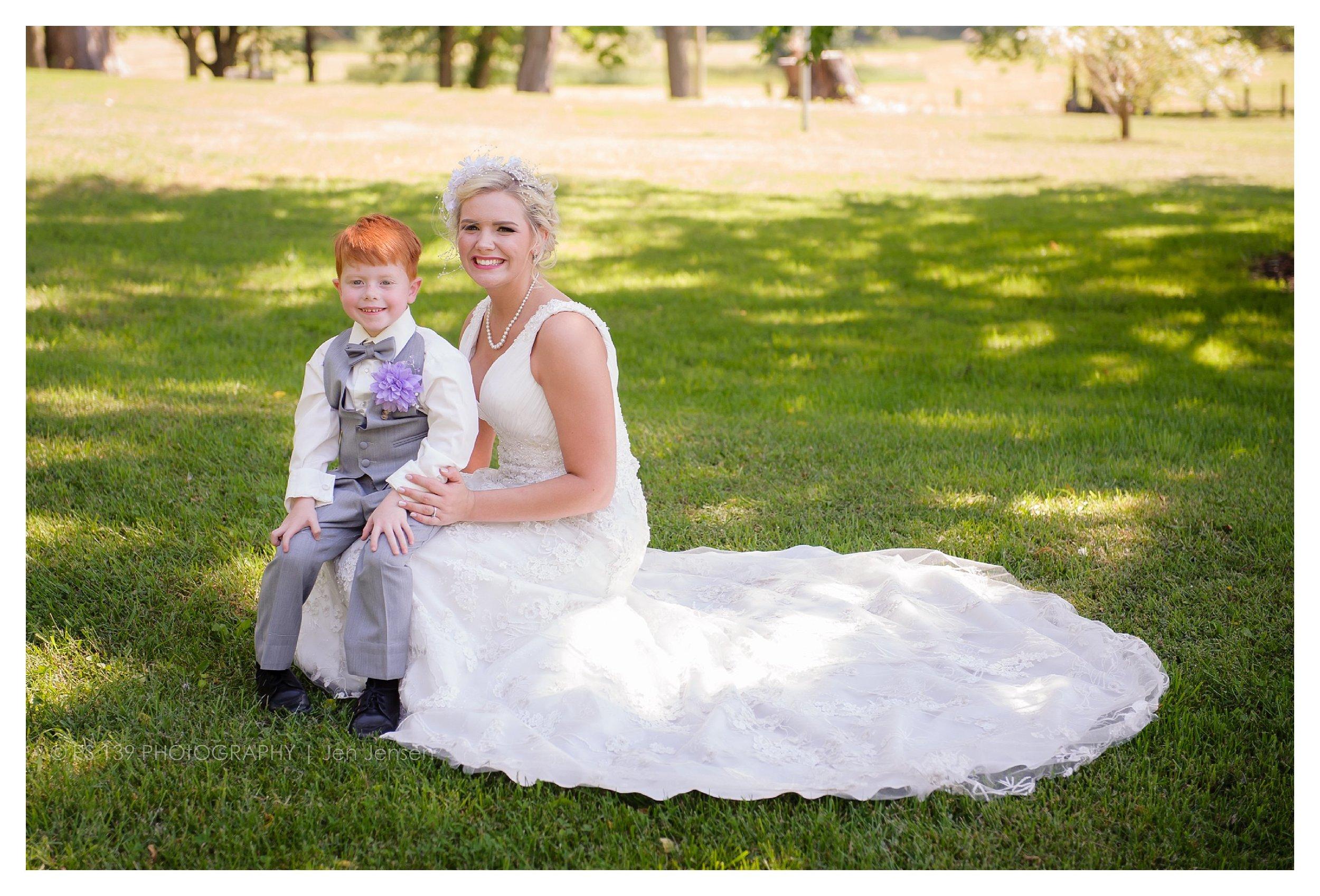 oregon Illinois oak lane farm wisconsin wedding photographer bayfield wi ps 139 photography jen jensen_0246.jpg