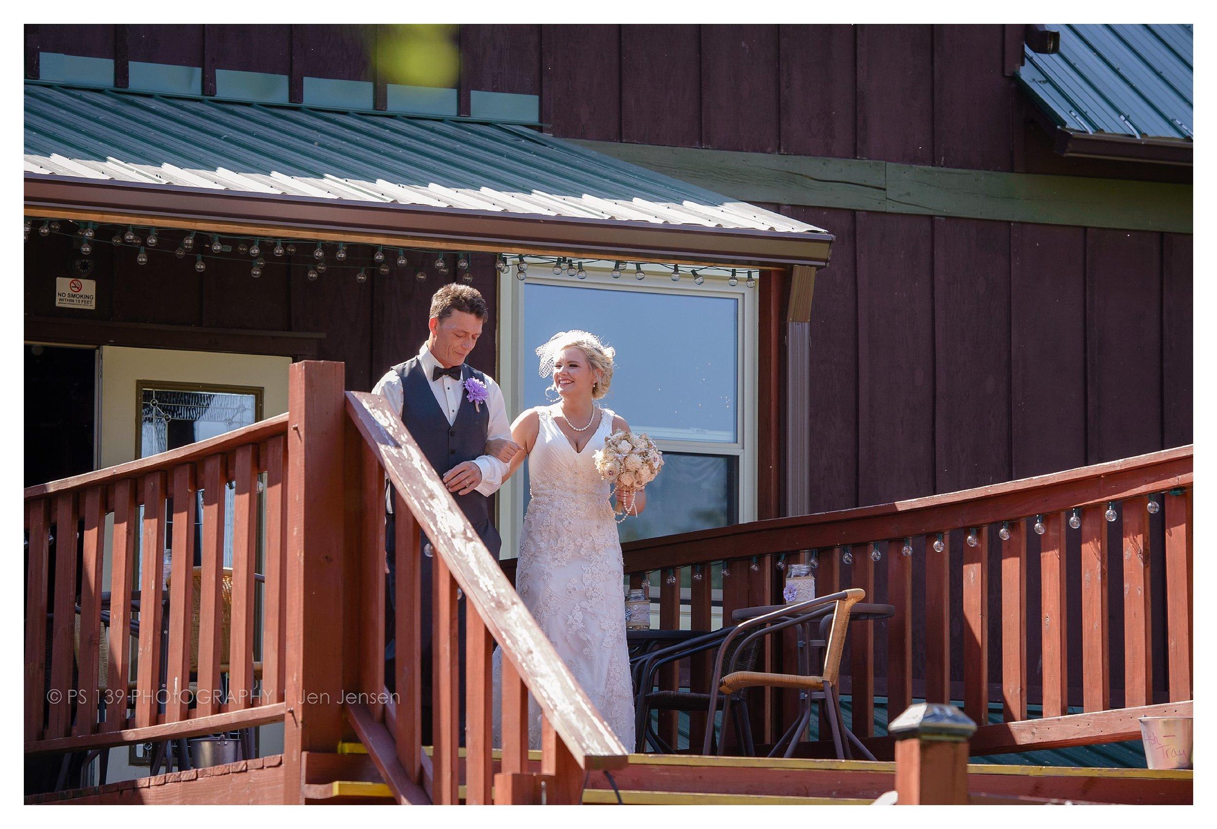 oregon Illinois oak lane farm wisconsin wedding photographer bayfield wi ps 139 photography jen jensen_0260.jpg