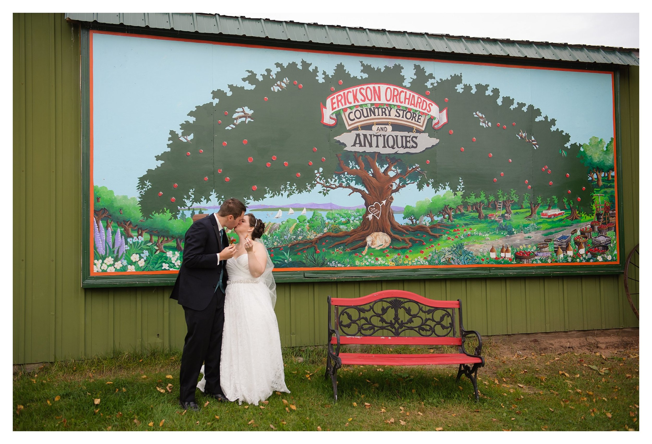 Lindstrom MN Bayfield WI Erickson Orchard wedding donuts ps139photography.com Twin cities Minnesota northwoods Bayfield wisconsin destination wedding ps 139 photography_0538.jpg