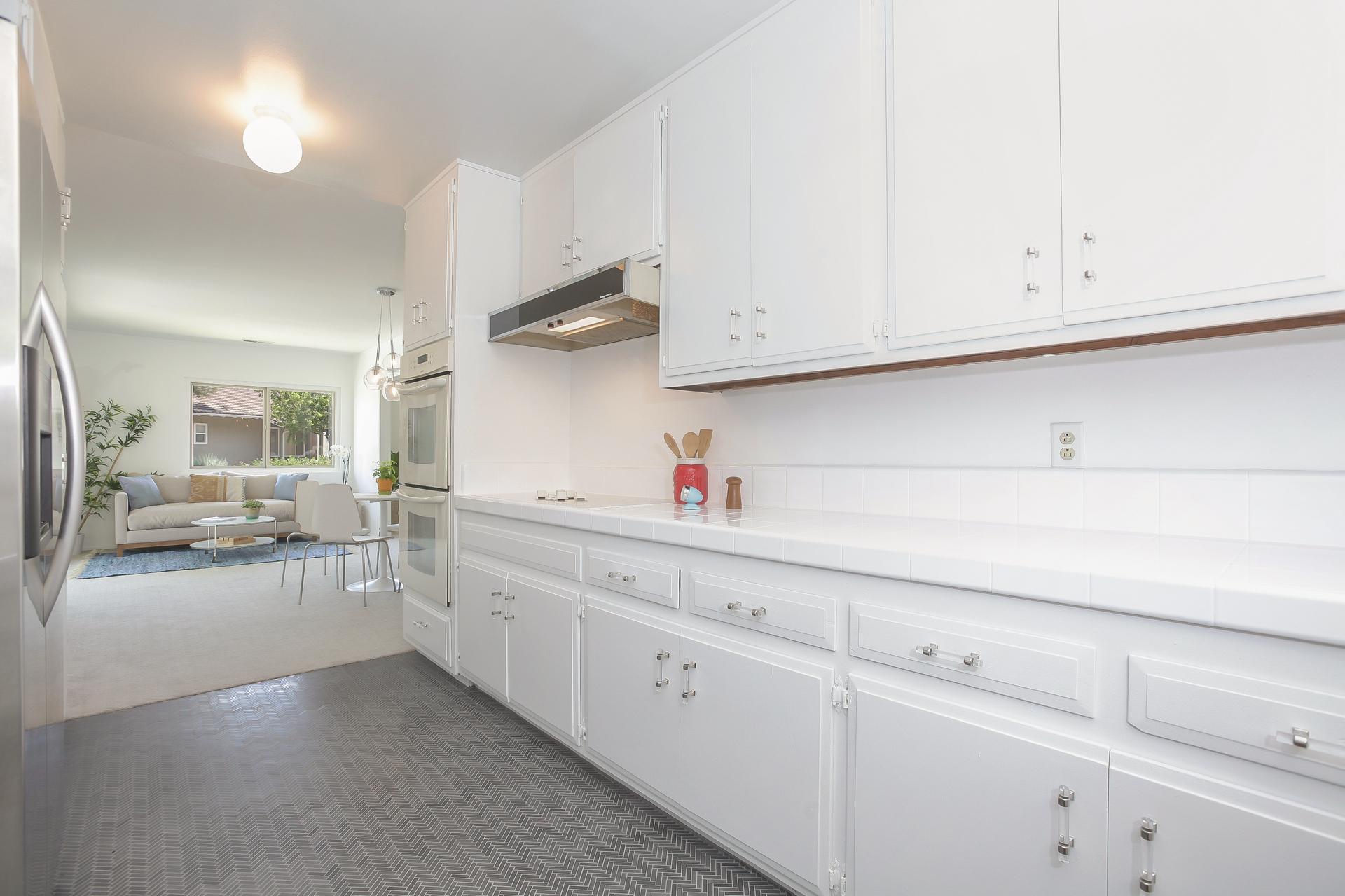 016-Kitchen-4443098-medium.jpg