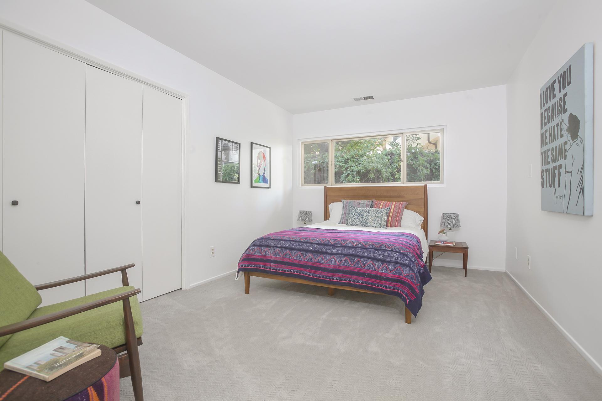 023-1st_Bedroom_next_to_laundry_room-4443090-medium.jpg