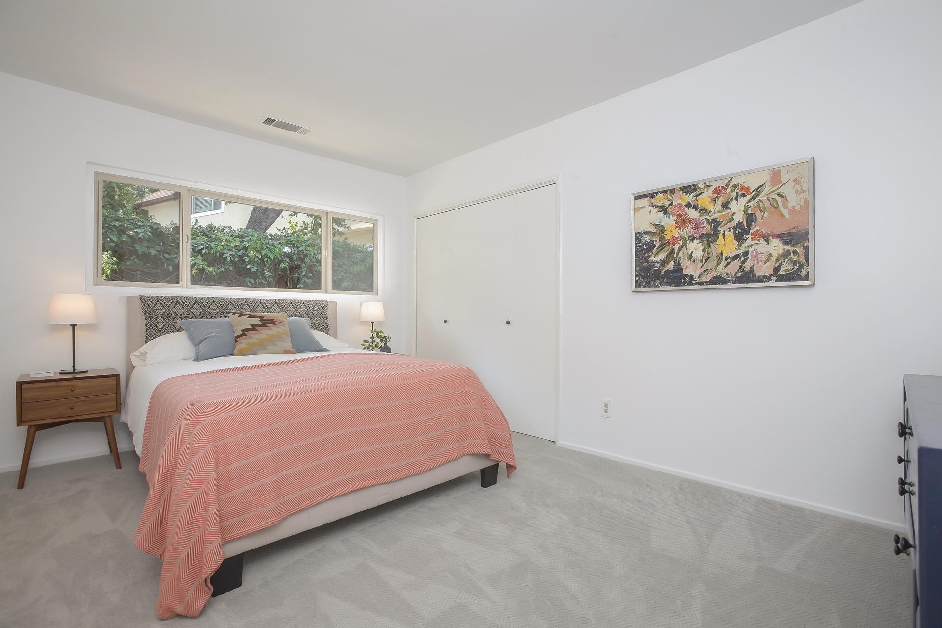 028-2nd_Bedroom-4443081-medium.jpg