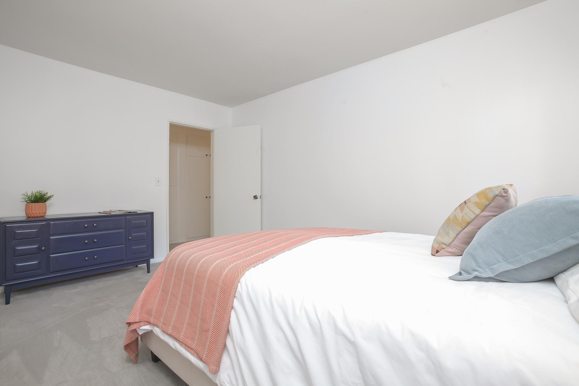 029-2nd_Bedroom-4443095-medium.jpg