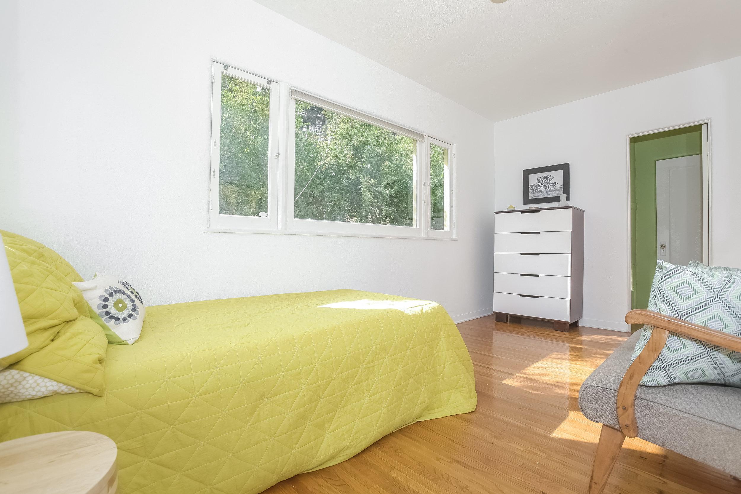 020-Bedroom-4517257-large.jpg