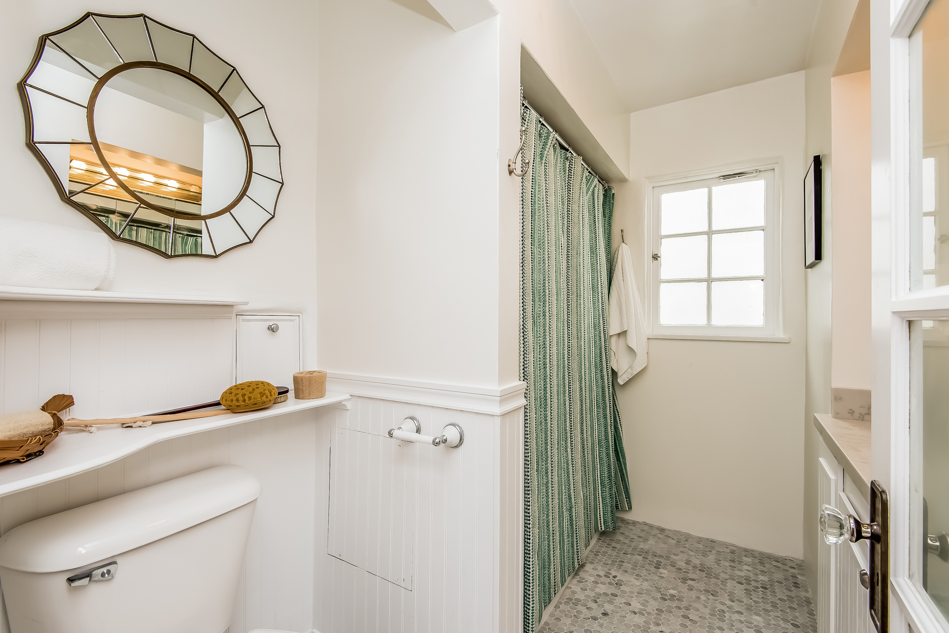 021-Bathroom-2860442-medium.jpg