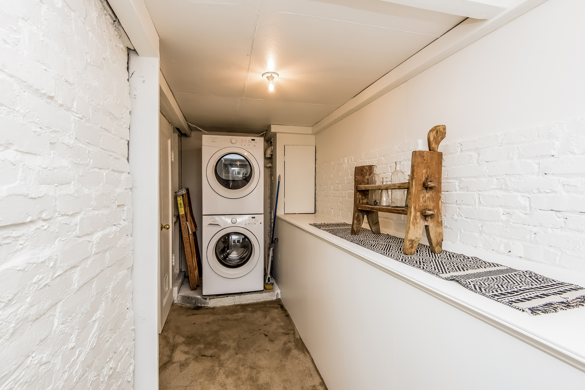 032-Laundry_Room-2860437-medium.jpg