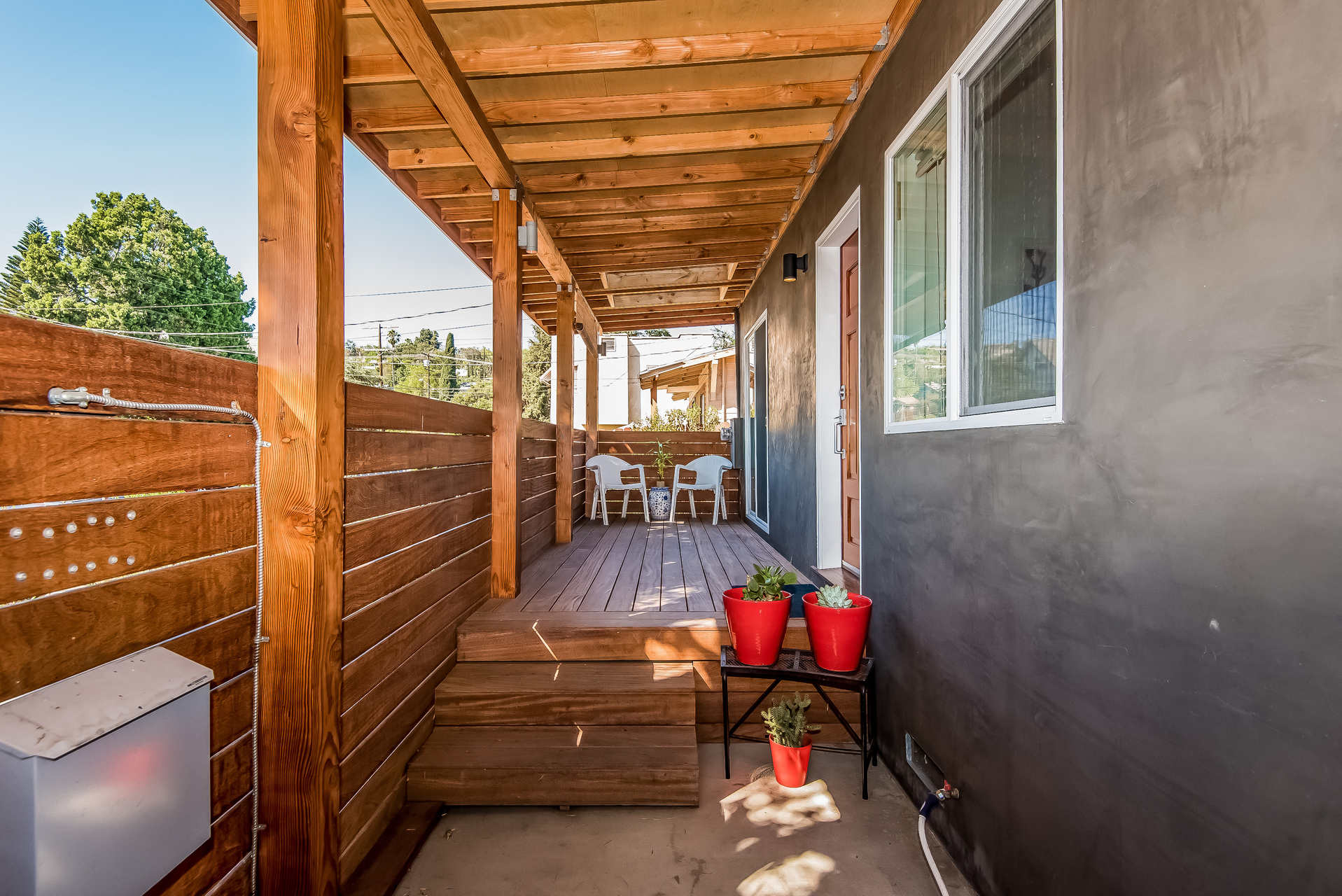 005-Covered_Porch-3114590-medium.jpg