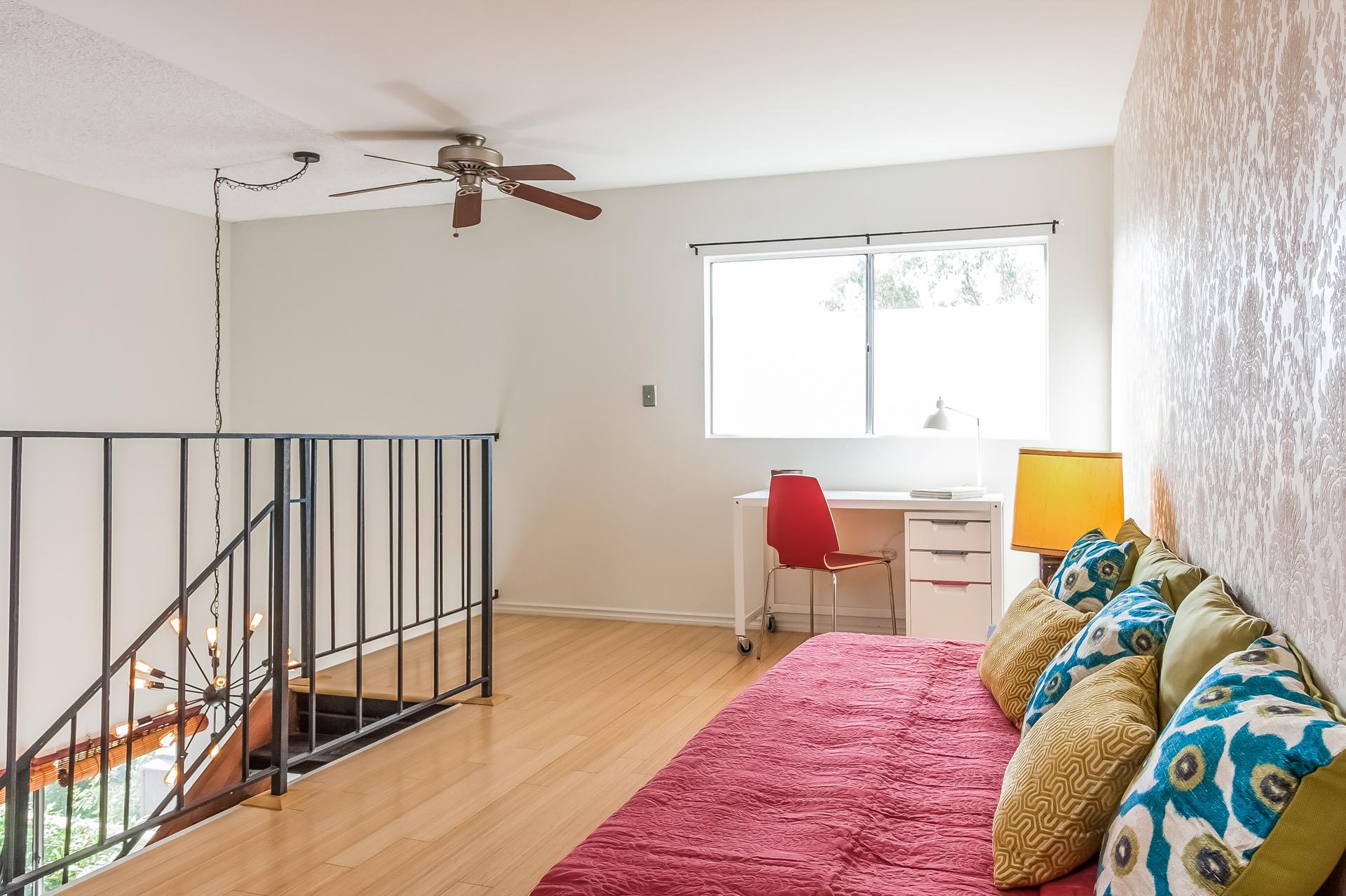 010-Loft_Room-2257786-medium.jpg