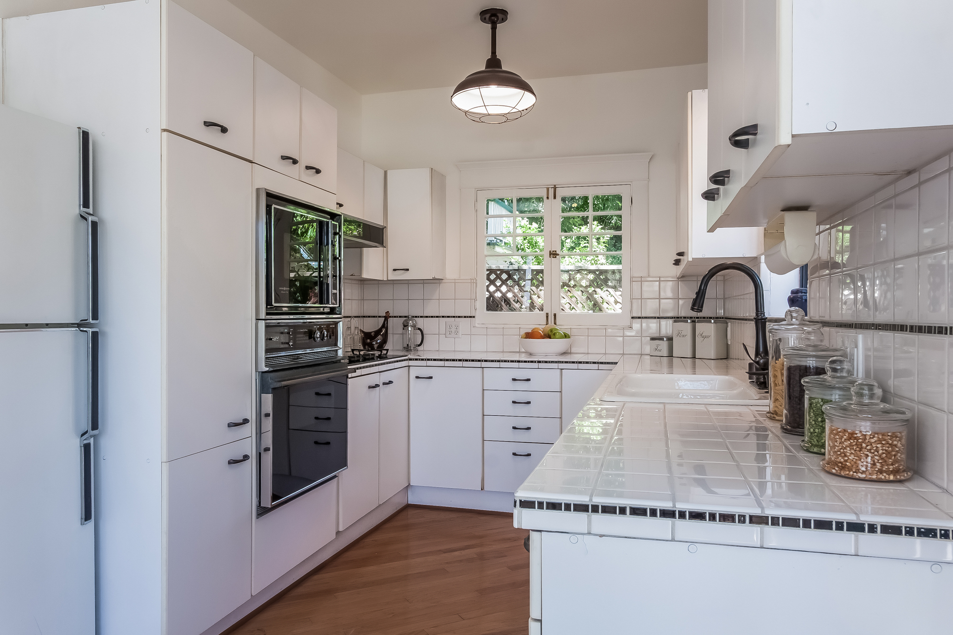 010-Kitchen-1926866-medium.jpg