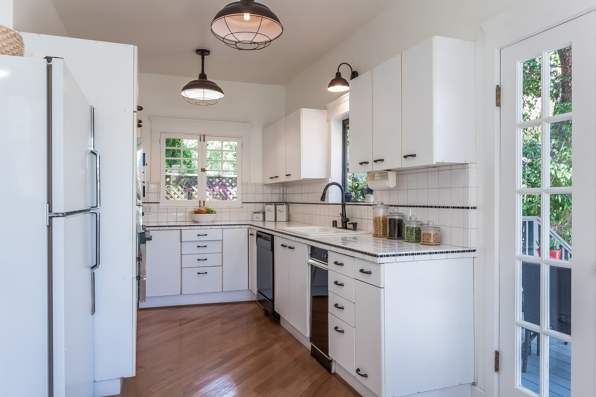 011-Kitchen-1926865-medium.jpg
