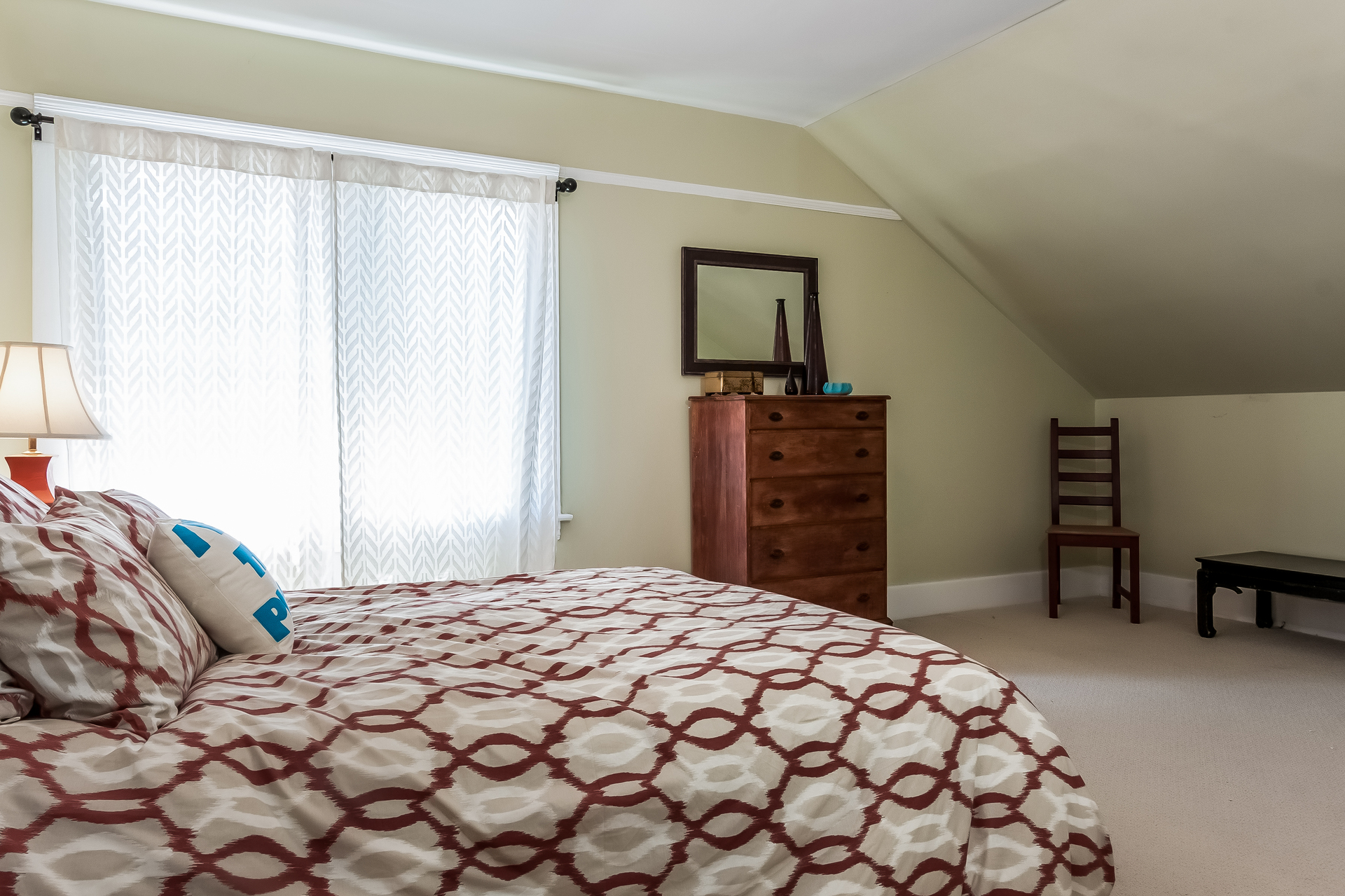 018-Bedroom-1926900-medium.jpg