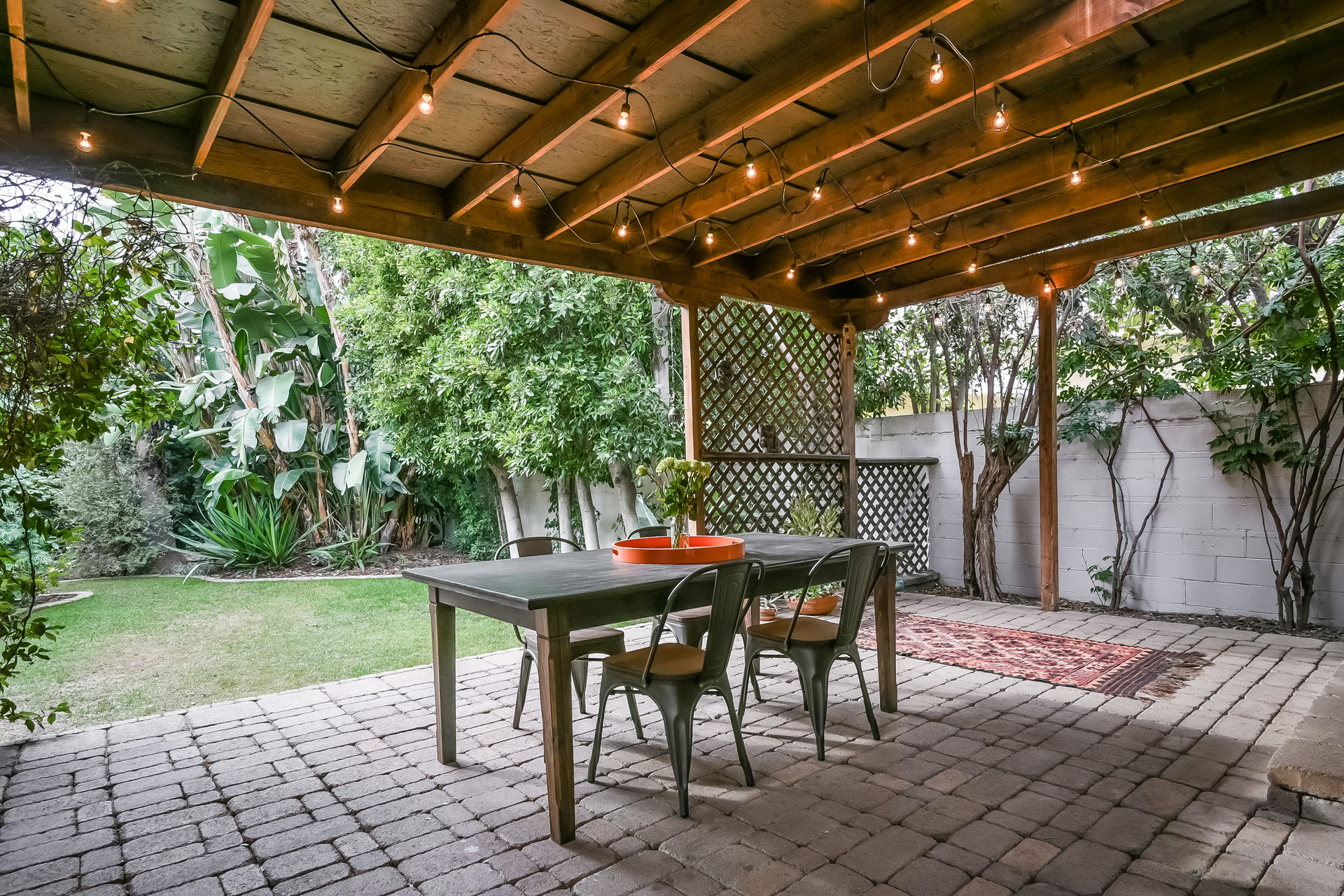 030-photo-covered-patio-6554499.jpg
