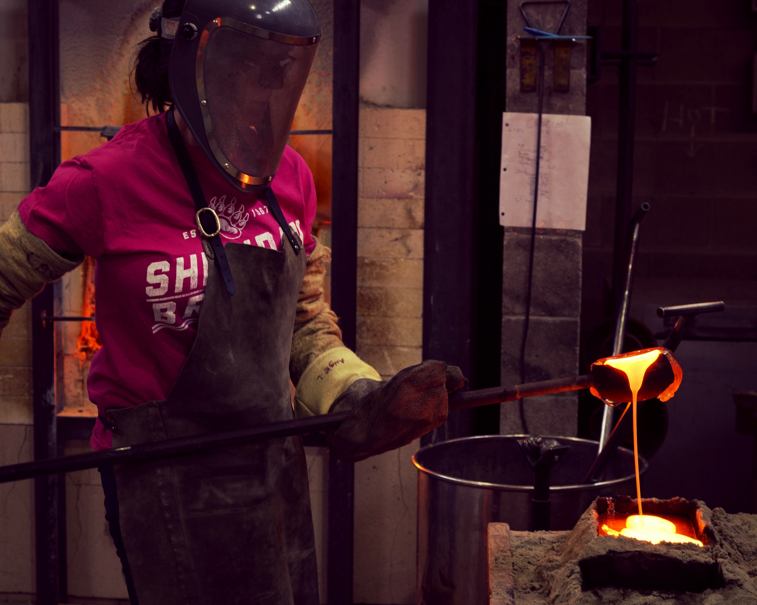 Casting glass at Sheridan College, 2015.