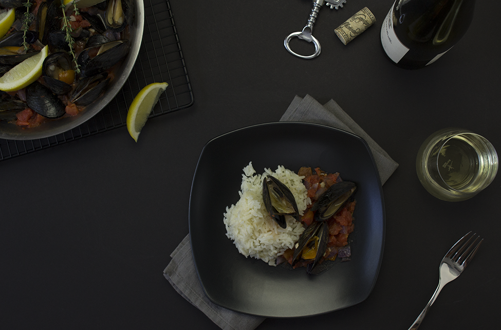 steamed-mussels-and-wine.png