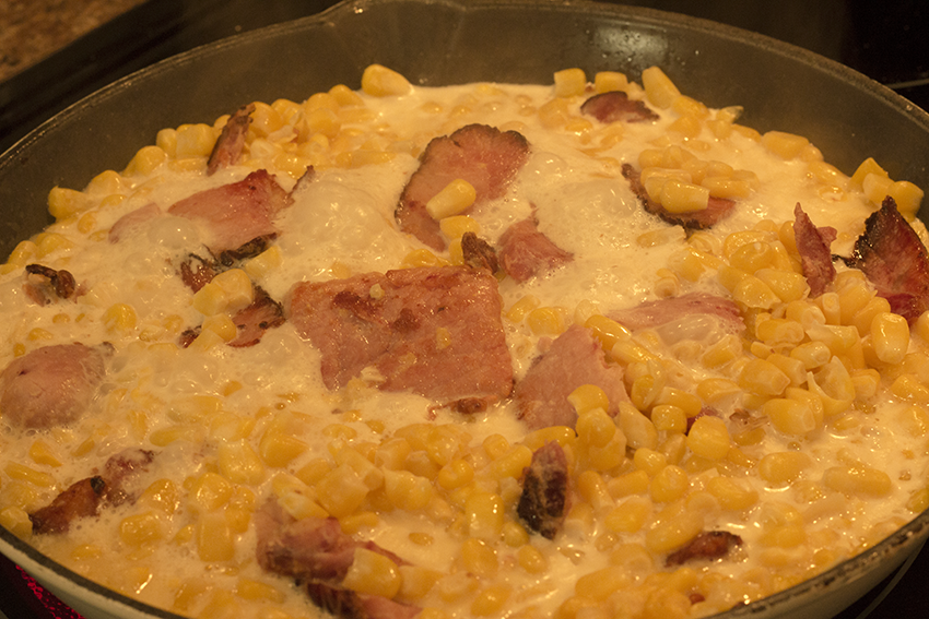 cream-style-corn-in-skillet.png