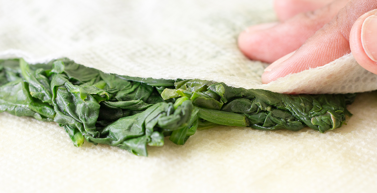 Spinach and Paper Towels-2636.jpg