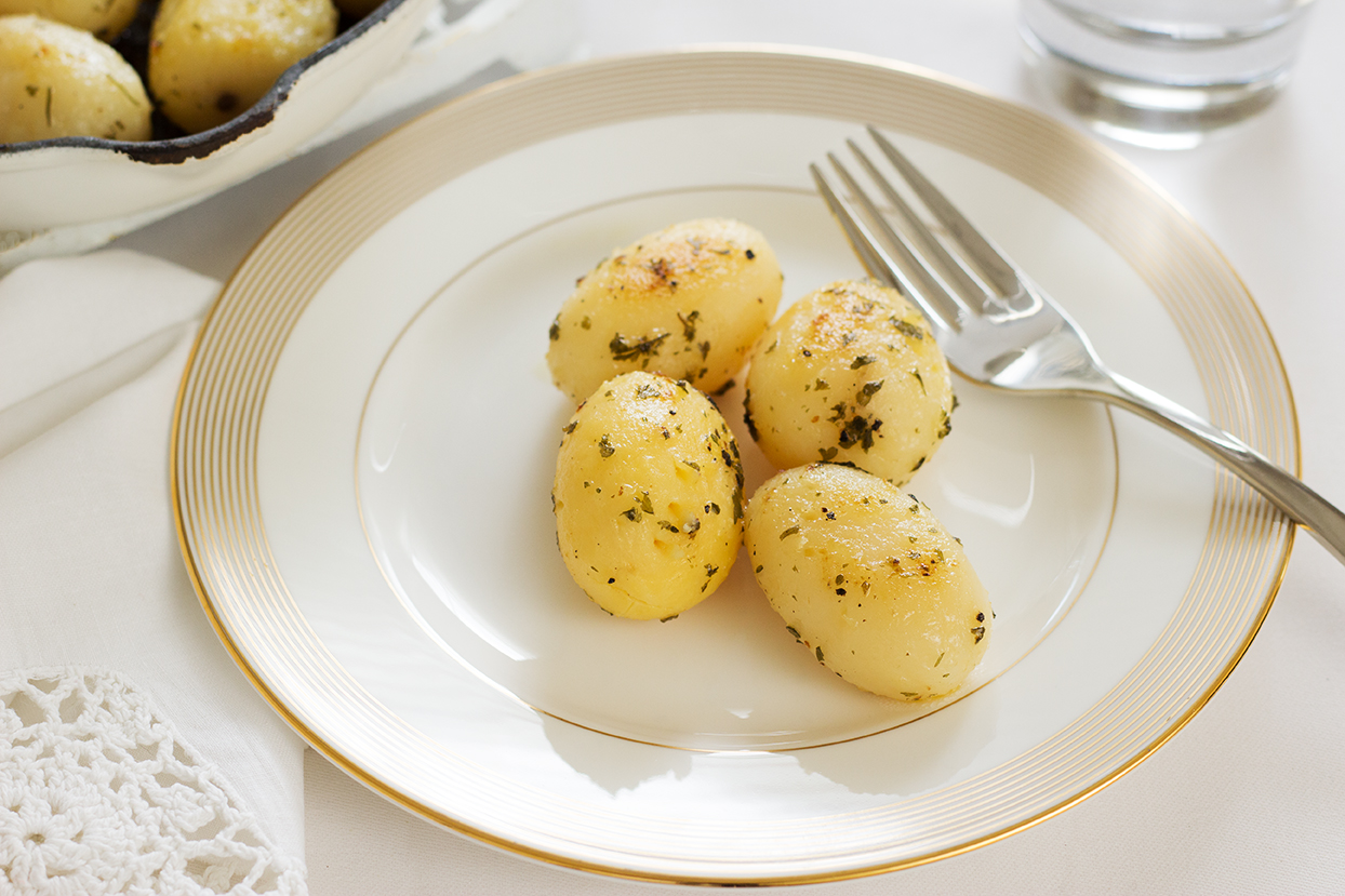 Whole Small Potatoes Parsley-3874.jpg