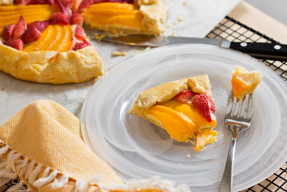 Mango-Straberry Crostata V3-6099.jpg