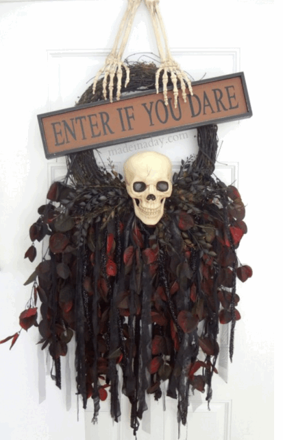 Creepy skull wreath by Made In A Day