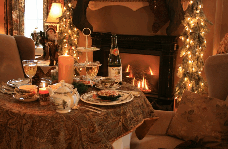 Holiday fireside dining for two   source