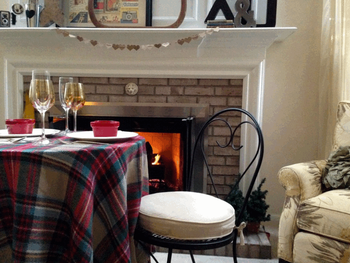 fireside-dining-for-two-2015-10-01_1141.png
