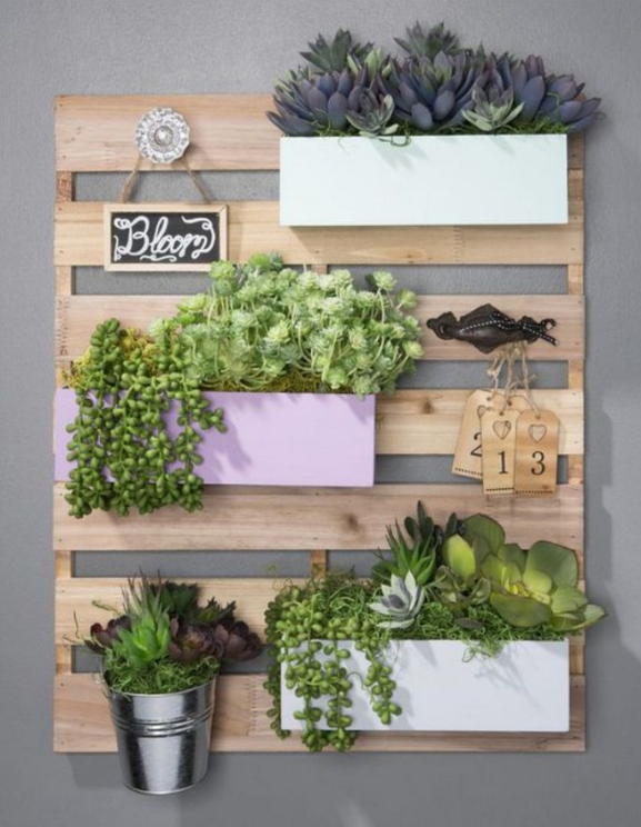 DIY wood pallet wall garden from  DIY Wood Pallet