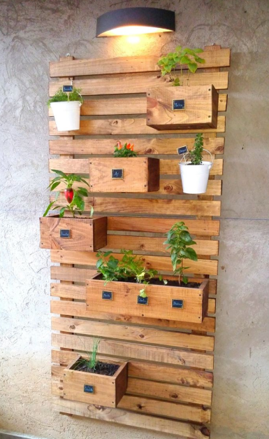 vertical wall plant box from  DIY Wood Pallet