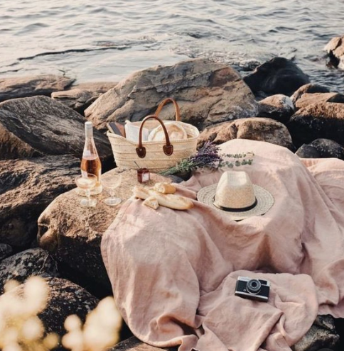 Simple beach picnic   source