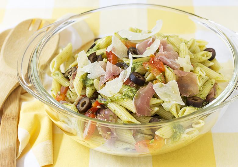 penne pasta salad with prosciutto ham