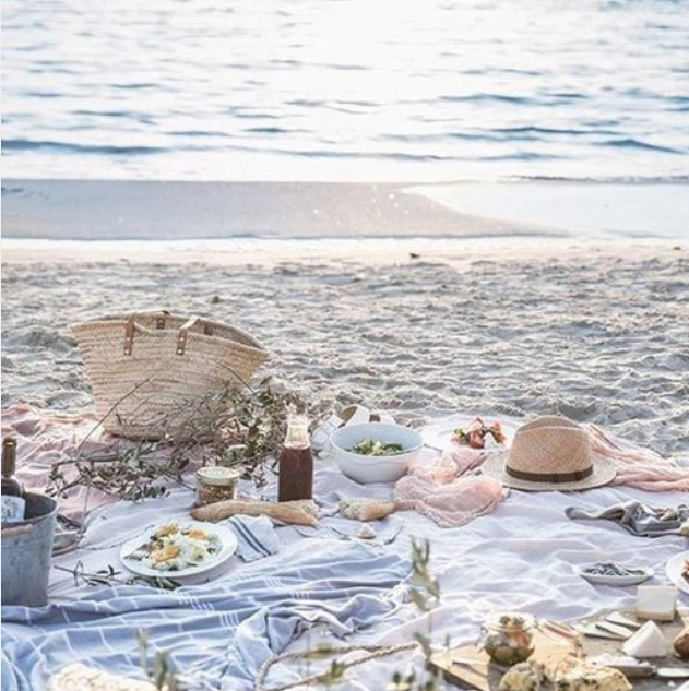 simple_beach_picnic_fr_weheartit_2019-05-20_0957.png