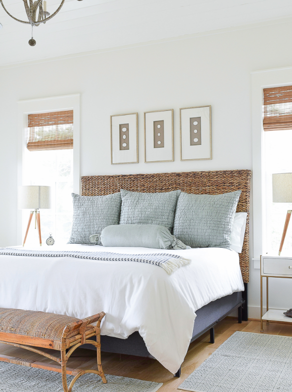 White walls with blue accented bedroom source   Z Design athome