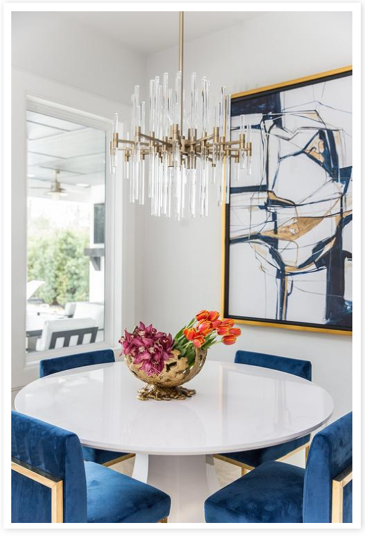 White walls, blue decor accents in dining area source   Decor Pad
