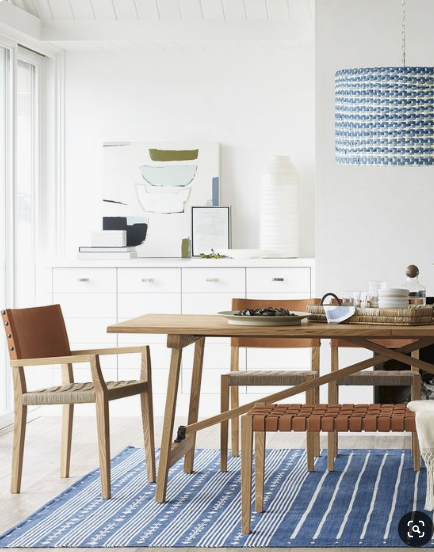 White walls and blue accents in dining area source   Pinterest